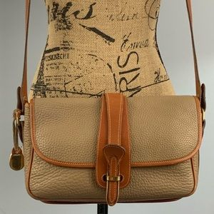 Dooney & Bourke pebbled leather shoulder/crossbody
